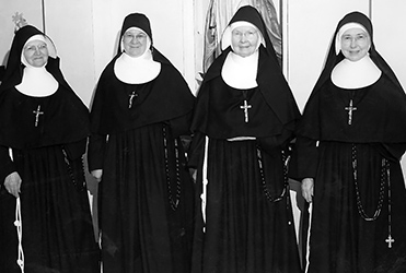 photo of Catholic nuns in 1958